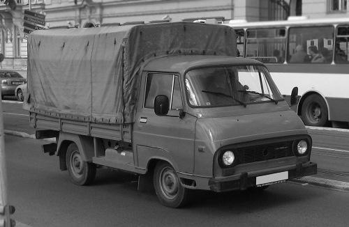 Stěhovací dodávka Škoda 1203